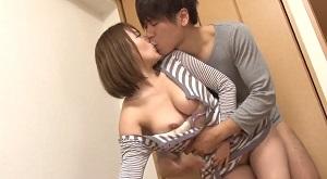 小田切ジュン/ エロメンが昔から好きだった親友の彼女に引っ越しの手伝い中に告白していきなりキス♪彼氏にバレない様に声を我慢してるうちに興奮しイカされ理性崩壊して交わる浮気ドキドキセックス! Pornhub