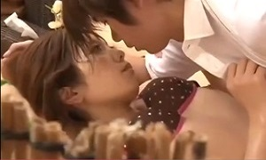 小田切ジュン/ 海の家の無料エステでイケメンエステティシャンのエロテクニックに完全に堕ちて身体を許しちゃう若妻♪ ShareVideos(33分)
